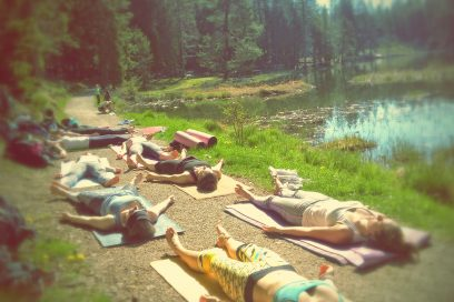 Yoga Brunch am See – Water. Yoga. Eat. Repeat.