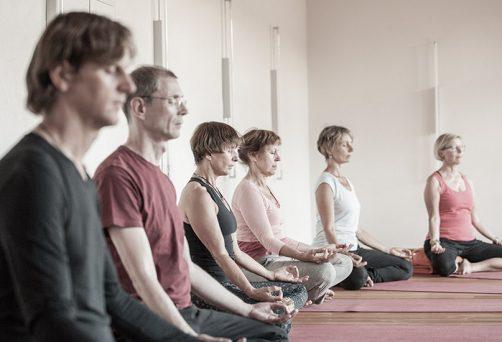 Yoga zum Jahreswechsel für ALLE, die ins neue Jahr bewusst & positiv gehen wollen I 30. Dezember 2017 Leutasch in Tirol